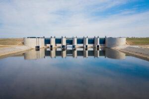 Budowla Przelewowo-Spustowa - widok od Wody Górnej (1)